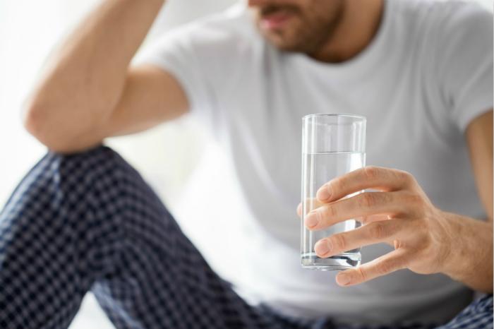 喝还原水有利于解酒