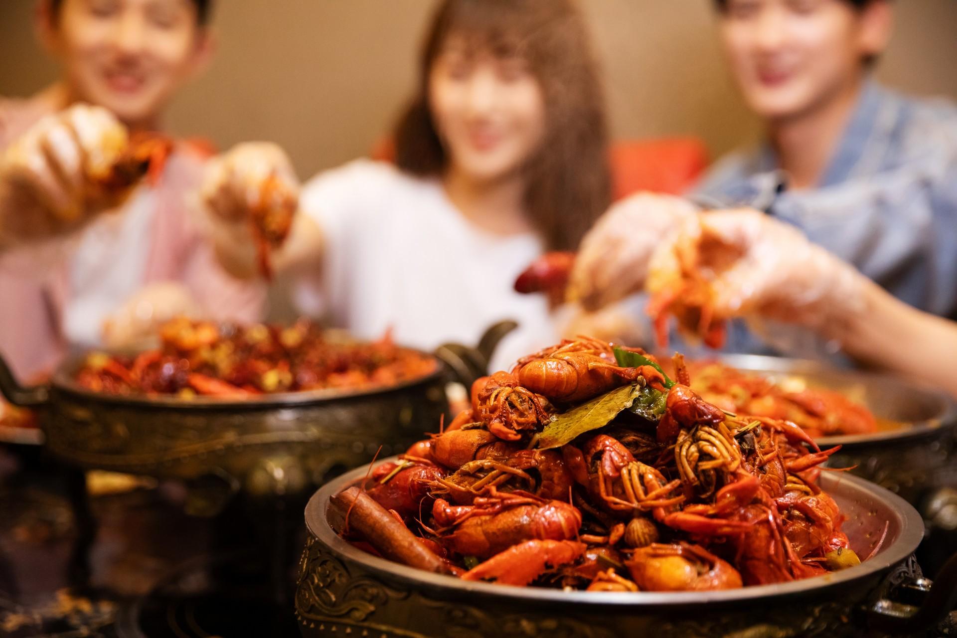 不注意饮食导致尿酸增加